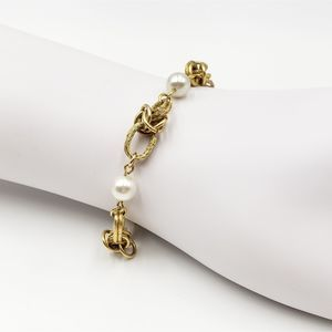 Vtg Pearl and Gold Tone Link Bracelet